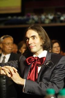 Cédric Villani : il faut rapprocher monde de la recherche et monde enseignant