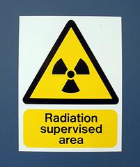 Aborder la radioactivité et l'irradiation des aliments en cours de physique-chimie