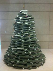 Sapin de Noël fait de livres