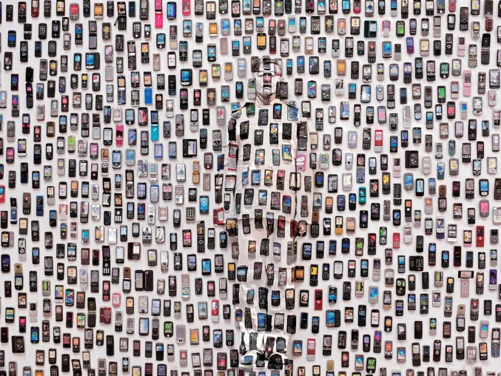 Liu Bolin, l'artiste qui se rend invisible, expose à Paris jusqu'au 9 mars 2013