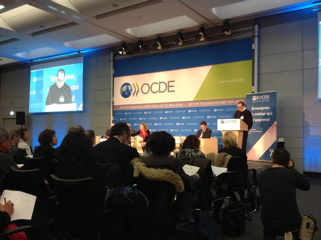 OCDE : un «retard français» dans la formation des enseignants ?