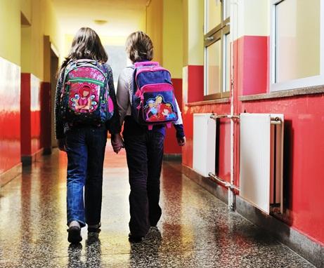 Royaume-Uni : interdiction d'avoir un meilleur ami dans certaines écoles