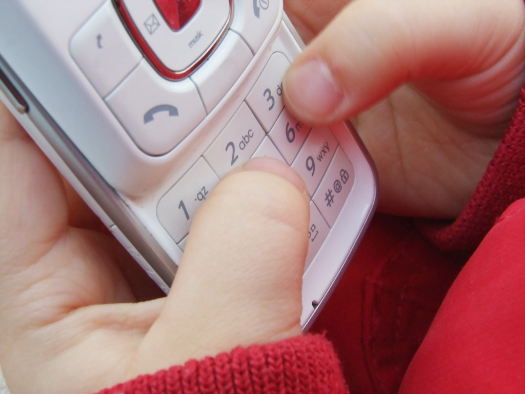 Des manuels scolaires sous forme de SMS aux Philippines