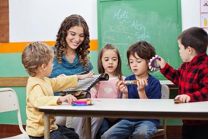 Classe de maternelle © Tyler Olson - Fotolia.com