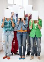 Faut-il lire les notes des élèves à haute voix en classe ?