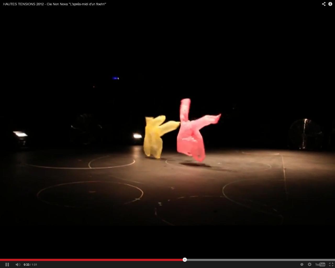 Londres : magnifique ballet où des plastiques dansent sur Debussy