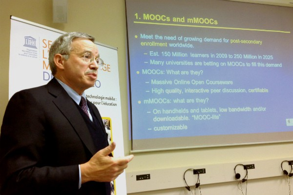 Utiliser les MOOCs pour une meilleure formation des enseignants