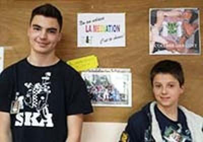 Damien et Ulysse, élèves de 4e et médiateurs