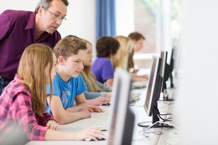 Proposition de loi pour rendre l'enseignement du codage informatique obligatoire à l'école
