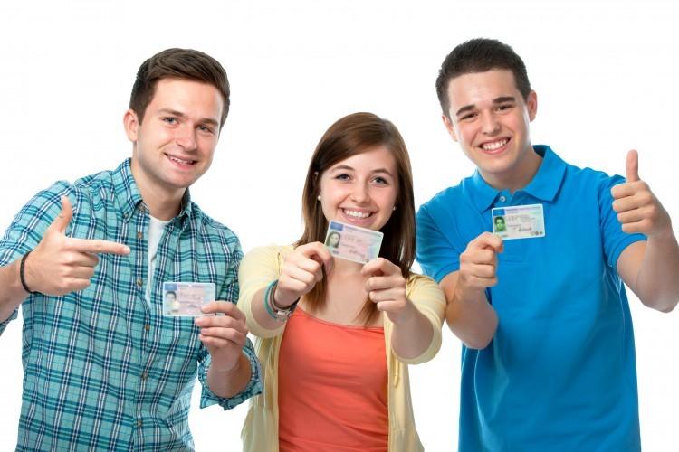 Les jeunes en service civique auront la carte d'étudiant
