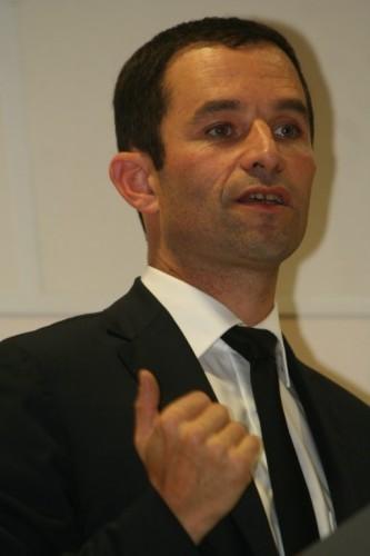 Manuel Valls a présenté à François Hollande la démission de son gouvernement