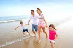 vacances famille enfants plage mer
