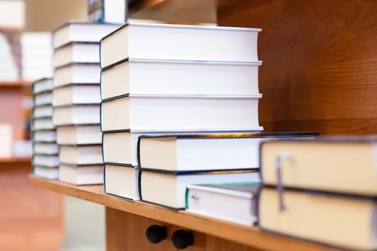 La bibliothèque des Sciences et de l'Industrie cède 40 000 livres pour 1 euro pièce