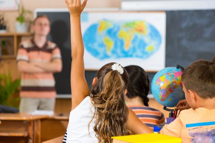 Education : pour les Français, mieux vaut étudier à l'étranger !