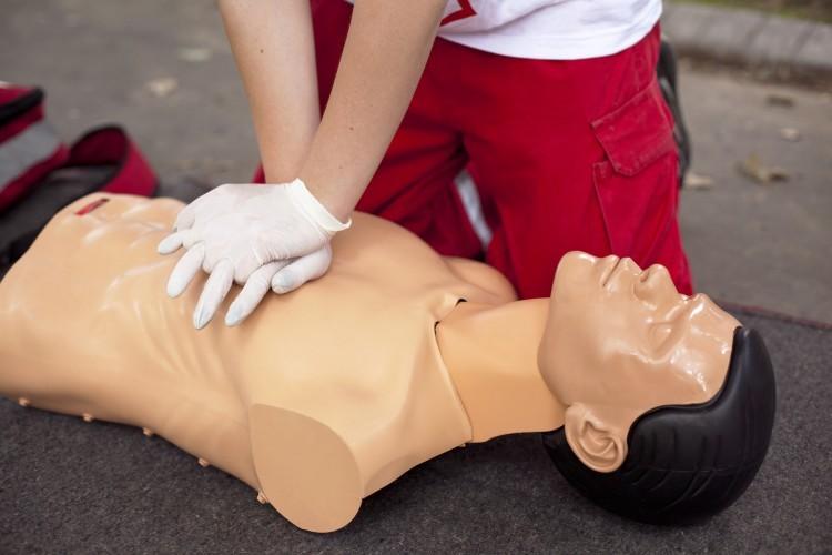 Premiers secours : la Croix-Rouge demande une formation à l'école