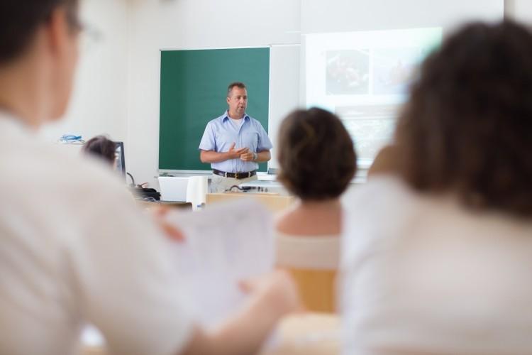 Education nationale: réunions syndicales pendant le temps de service (B.O. du 18septembre 2014)