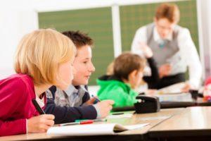 salle de classe professeur primaire