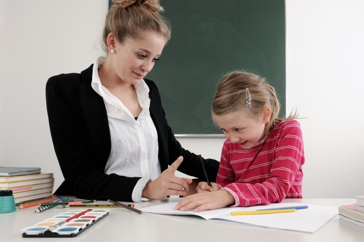 Un père invite les parents d'élèves à respecter l'autorité des enseignants