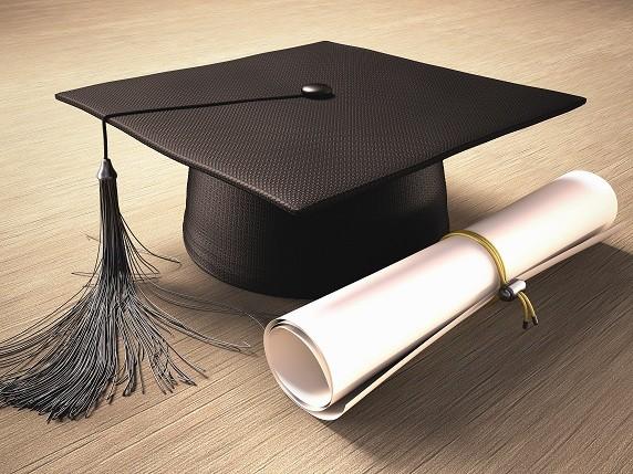 Le diplôme, «un rempart contre le chômage» (ministère)