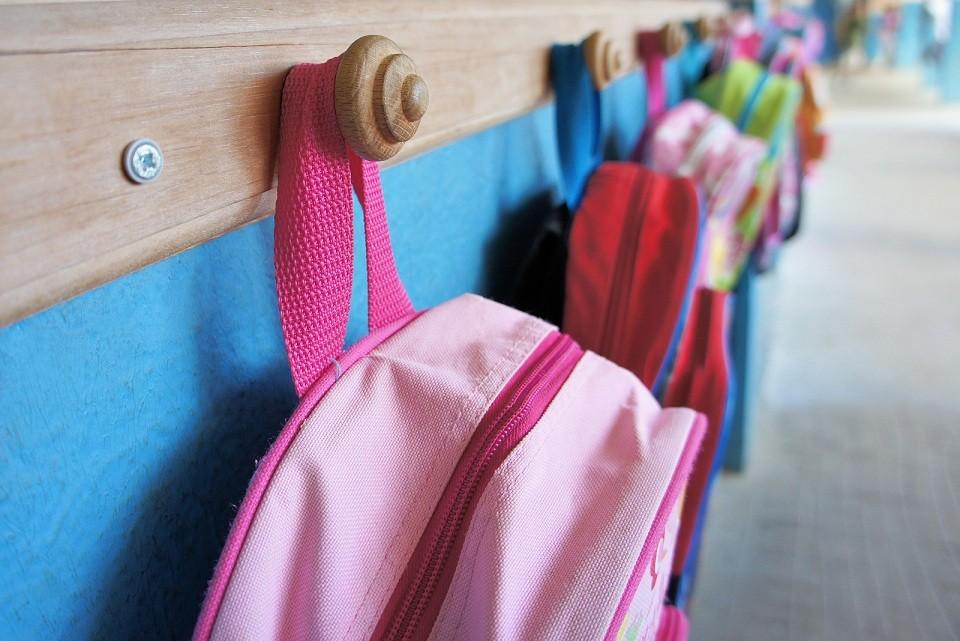 Cartables d'élèves. © Prod. Numérik - Fotolia