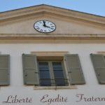 Etat d'urgence à l'Ecole : minute de silence et voyages scolaires annulés