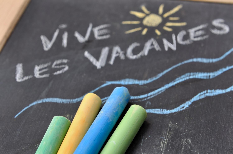« Vacances apprenantes » : les parents d'élèves veulent plutôt des « vacances reposantes »
