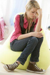 Jeune fille - Problèmes d' Ados © JPC-PROD - Fotolia