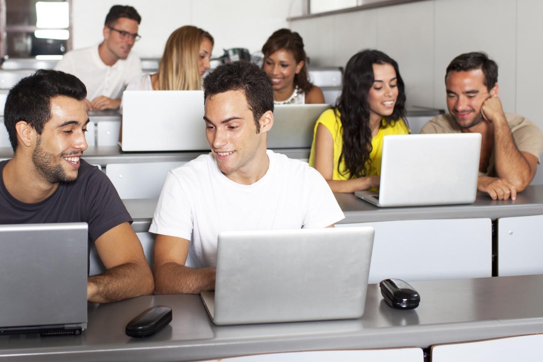 """Pédagogie numérique : les universités ont """"de gros efforts à accomplir"""""""