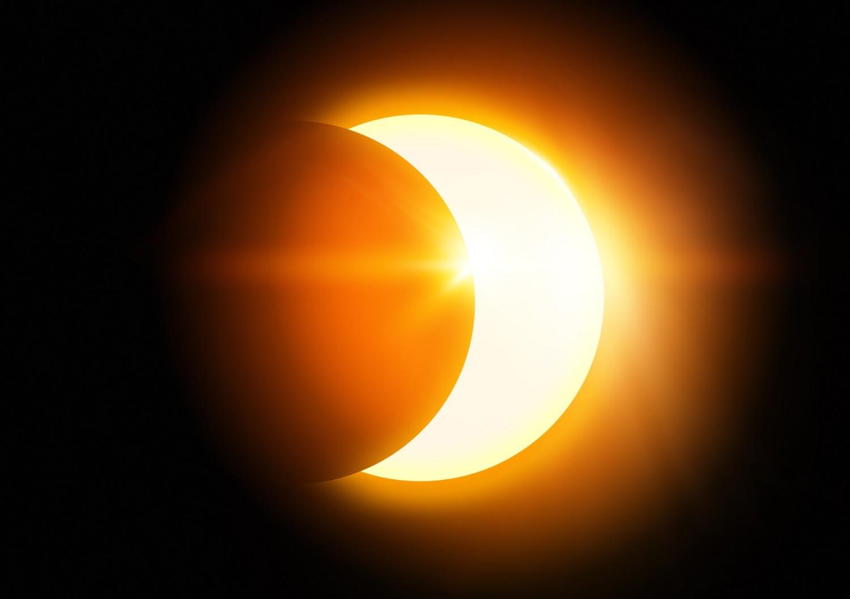 Eclipse de soleil : comment l'observer sans danger avec ses élèves ?