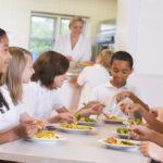 Cantine scolaire : une proposition de loi visant à garantir l'accès pour tous