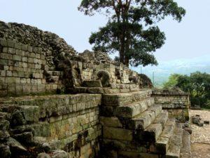 mayan architecture and copan ruins in Honduras © ftlaudgirl - Fotolia