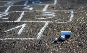 Hopscotch street game © laciatek - Fotolia