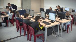 Une séance D'Col au collège Elizabeth et Robert Badinter, à La Couronne  - Vidéo CNED / Jérôme Dubreuil
