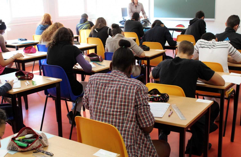 Les «Devoirs faits» seront proposés à «des milliers de jeunes» du service civique