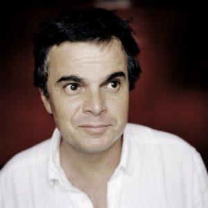 Alexandre Jardin, source VousNousIls www.vousnousils.fr/2013/02/14/alexandre-jardin-il-nest-pas-raisonnable-de-demander-aux-enseignants-de-tout-resoudre-542530