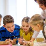 Diminuer la taille des classes a des effets positifs sur la réussite scolaire (étude)