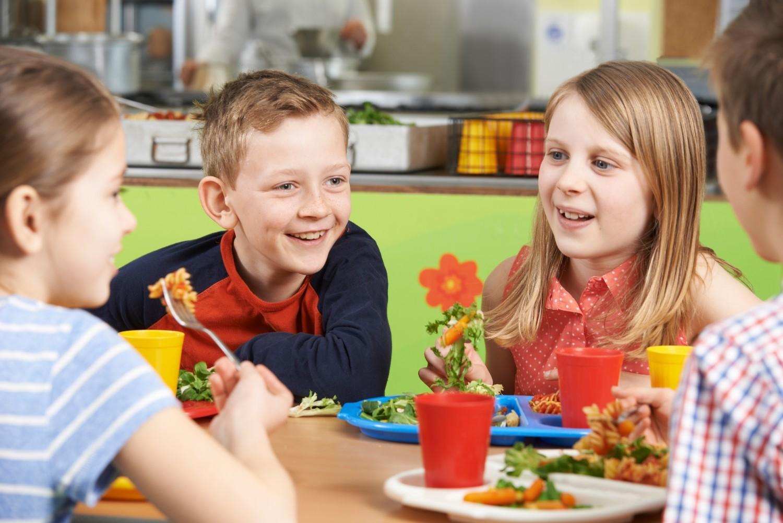Najat Vallaud-Belkacem ne veut pas imposer le menu végétarien à l'école
