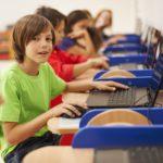 Selon l'OCDE, les élèves utilisant internet à l'école obtiendraient de moins bons résultats