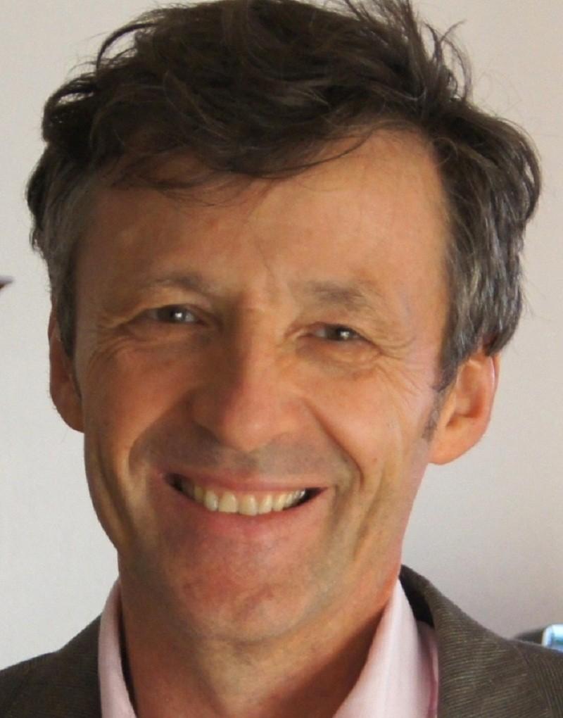 Roland Goigoux : «Ecrire sous la dictée 15 minutes par semaine suffit»