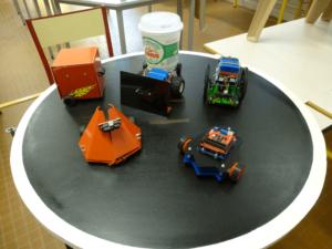 Les robots sumo conçus et programmés par les élèves de 3e de Michaël Clergeot.