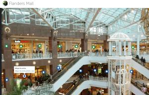 Les 1ere et Terminale STMG de Sébastien Franc ont pour mission de gérer, dans la ville virtuelle, un centre commercial avec des boutiques - le Mall.