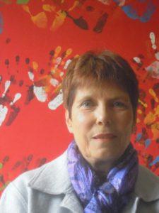 Edith Tartar Goddet est psychologue clinicienne et psychosociologue.