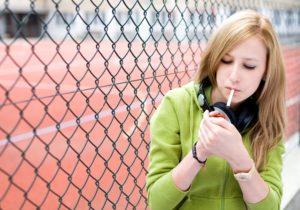lycéenne fumeuse