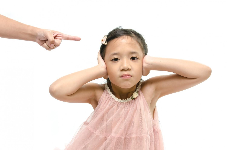 Enseigner est impossible «si les parents n'ont pas fait leur boulot» (L. Ferry)