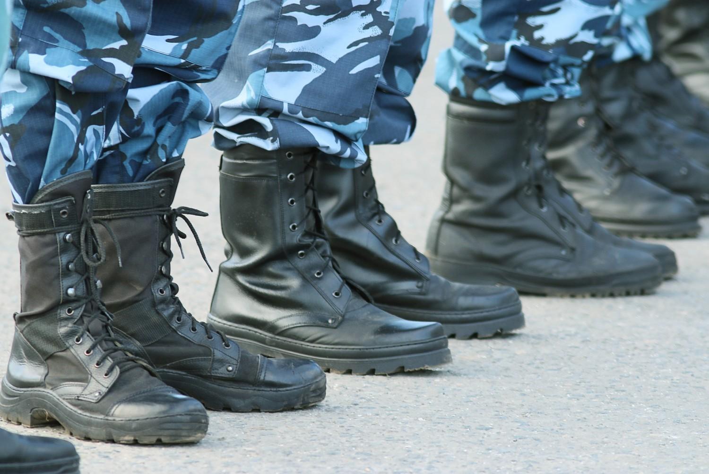 Décrocheurs scolaires : un «service militaire adapté» proposé par Sarkozy