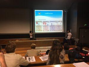 """Florence Raffin et Romain Chauvière, profs de physique à Bressuire, combinent classe inversée et """"îlots ludifiés""""."""