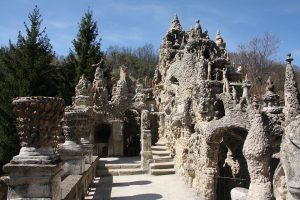 Le Palais idéal du facteur Ferdinand Cheval / Wikimedia / Otourly / Licence CC