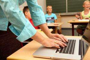 ordinateur enseignant