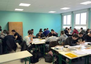 """Avec la classe inversée, les élèves de David Bouchillon sont """"mis en activité"""""""