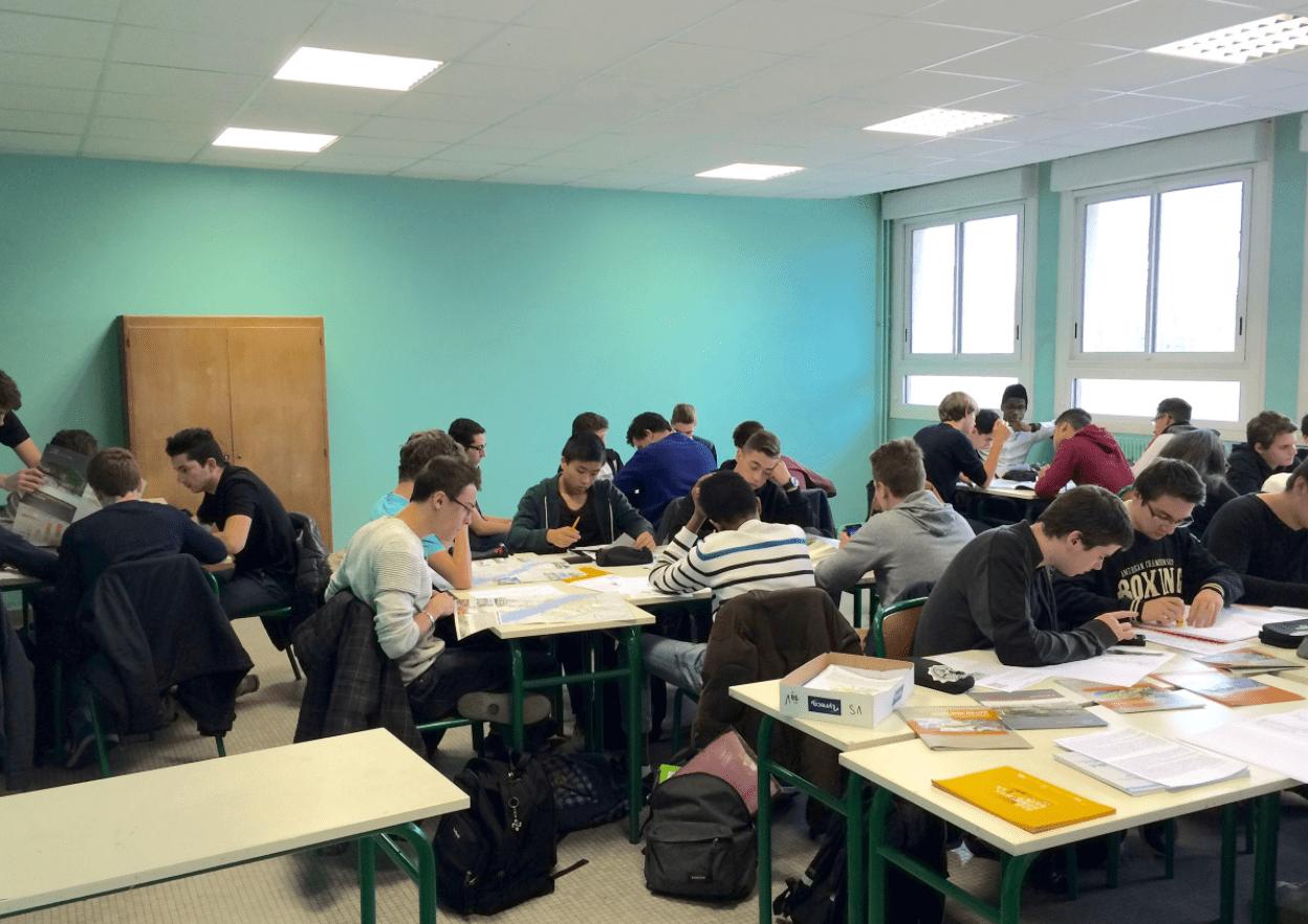 Classe inversée : une journée d'études sur ses apports pour les élèves en difficulté